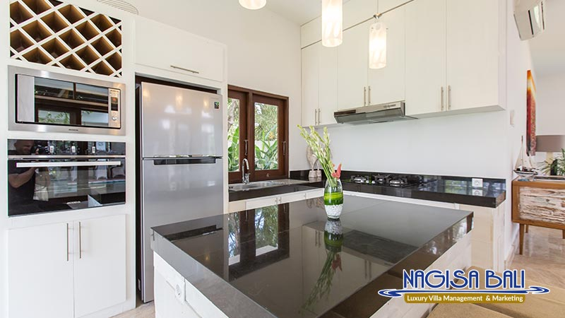 villa club corner kitchen by nagisa bali