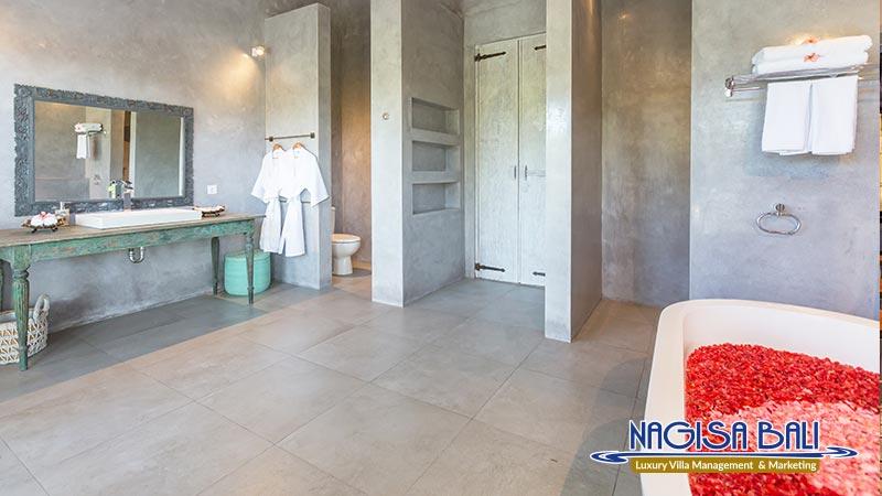 villa hasian jimbaran bathroom by nagisa bali