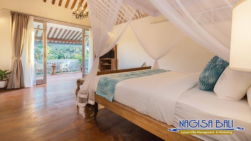 villa hasian jimbaran master bedroom by nagisa bali