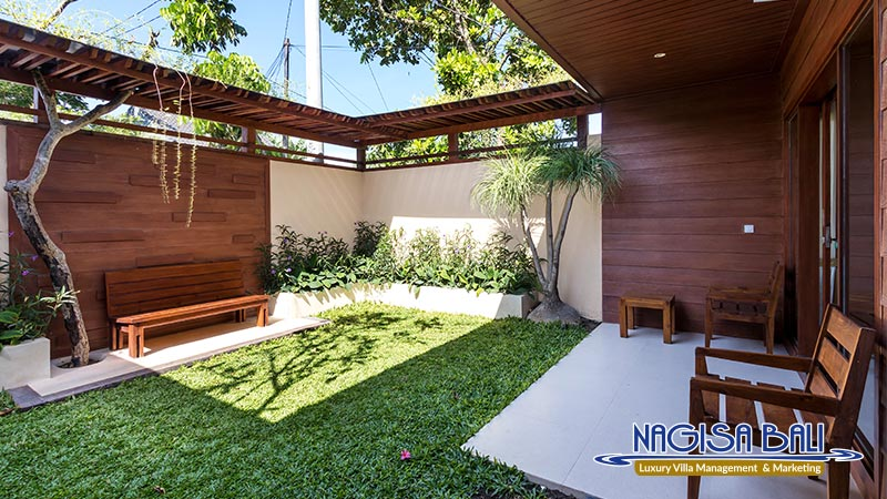 cc villa small garden behind bedroom by nagisa bali
