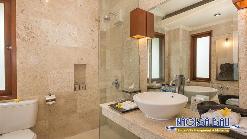 villa lidwina bathroom by nagisa bali