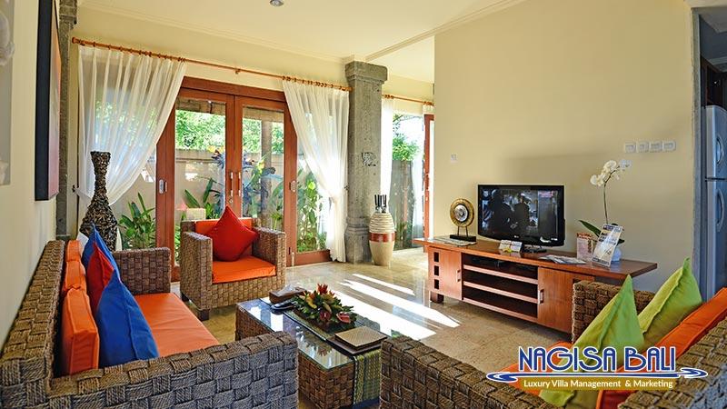 villa lidwina cozy living room by nagisa bali
