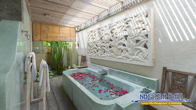 villa sky li seminyak bathtub by nagisa bali