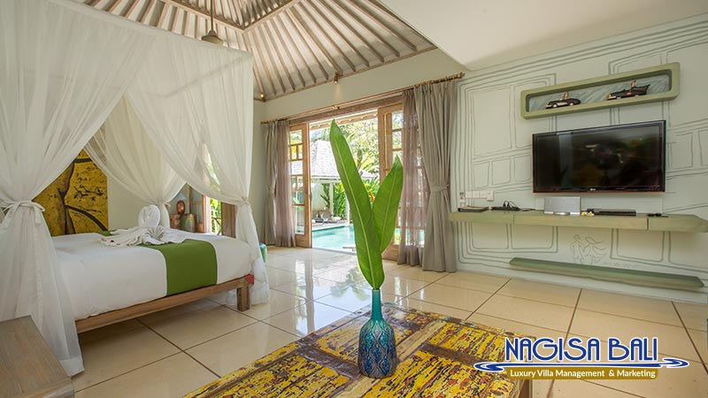 villa sky li seminyak master bedroom by nagisa bali