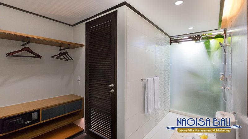 villa ciwuwi balangan bathroom by nagisa bali